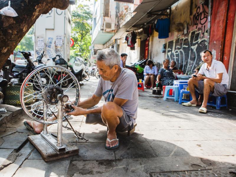 Rue du vieux quartier de Hanoi au Vietnam